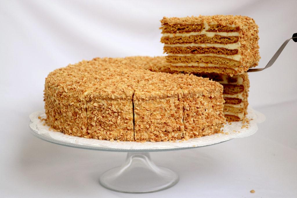Пошаговый рецепт медового торта с сметанным кремом