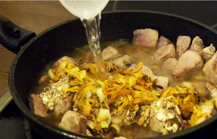 Вкусный гуляш из свинины - рецепт пошаговый с фото
