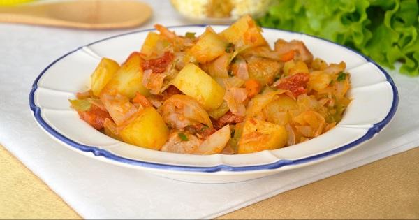 Тушеная капуста с картошкой