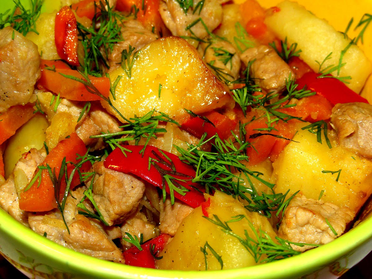 Жаркое из свинины с картошкой и овощами рецепт на сковороде
