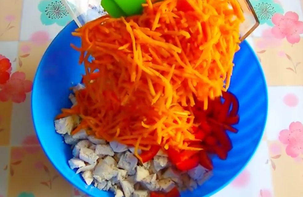 Салат из кукурузы и корейской моркови и колбасы