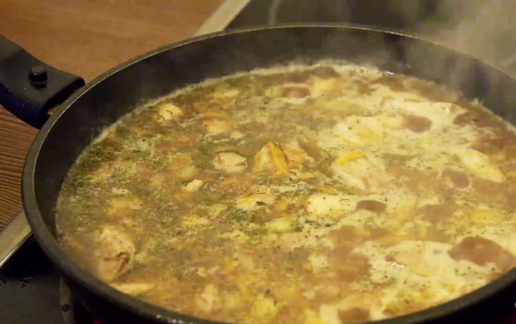 Гуляш из свинины с подливкой рецепт без томатной пасты с пошагово