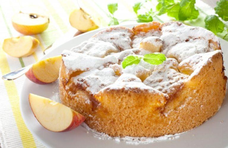 Обычная шарлотка с яблоками рецепт с пошагово в духовке